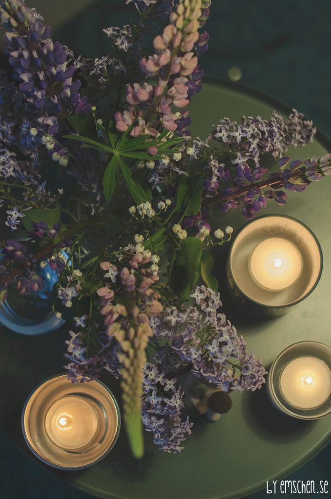 Med doft av syrén, lupiner och liljekonvalj